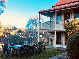 Historic Tinana House - luxury group getaway