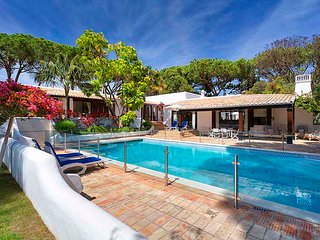 6 bedroom Villa with Pool, Air Con and WiFi - 5814533