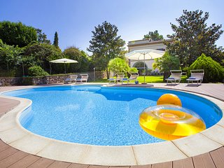 Villa Il Pino with Private Pool, Garden, BBQ, Parking