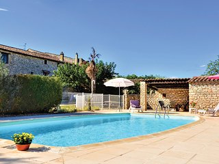 Nice home in Montclus w/ Outdoor swimming pool, WiFi and Outdoor swimming pool (