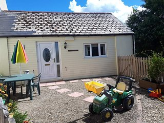 Milk Churn Cottage Tenby offers cosy, well equipped, self catering short breaks