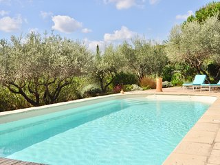Quiet holidays with view & private pool, in a comfortable villa well decorated