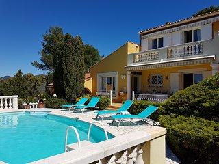 Villa avec jardin et piscine quartier residentiel a Sainte Maxime