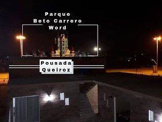 Pousada Queiroz em frente ao Parque Beto Carrero World