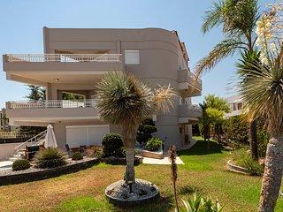 Villa Thalassa An exquisite villa on beachfront