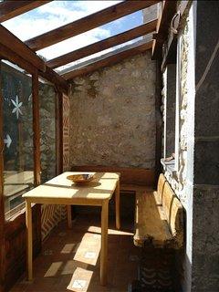 Desayunar o leer en el porche es una delicia