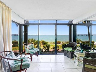 Mariner Pointe #1041: Incredible Ground Floor Bayfront Unit w/ Stunning View!