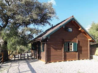 Nice home in El Gastor w/ Outdoor swimming pool, Outdoor swimming pool and 4 Bed
