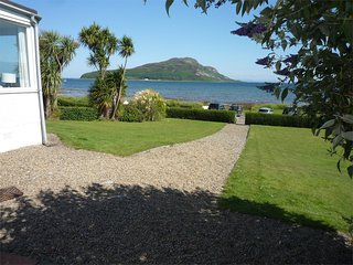 CA369 Cottage situated in Lamlash
