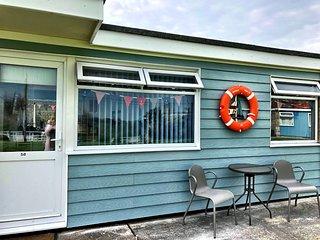 Wight Sails, a stunning chalet in a stunning location, close to the beach!!