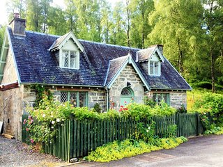 CA320 Cottage situated in Cannich