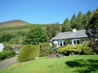 CA124 Cottage situated in Aberfeldy