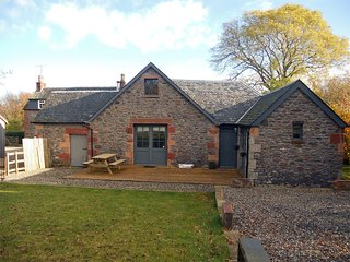 CA374 Cottage situated in Balfron Station