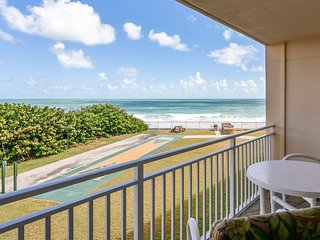 Right on the Beach. Family & Pet Friendly. Great Ocean views