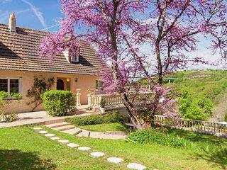 Gorgeous Villa in Aquitaine with private pool and garden
