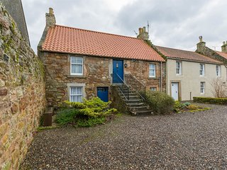 CA006 Cottage situated in Crail