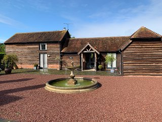 The Old Stables, 17th c. detached Barn Conversion