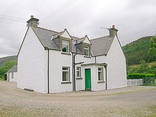 CA179 Cottage situated in Kinlochewe