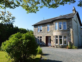 Rosscairn Villa, newly refurbished, pet friendly