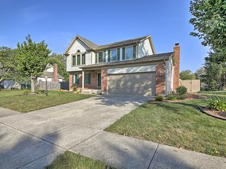 Cozy Home w/Spacious Yard & Patio by Indianapolis!