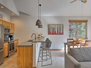 Chic Silverthorne Condo, Steps to Blue River!