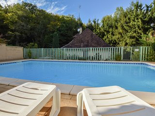 Spacious Holiday Home with Private Pool in Vitrac