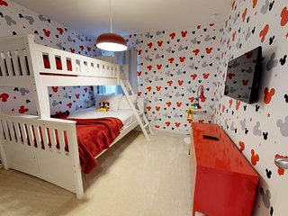 7 minutes from Disney with themed bedrooms ALD144