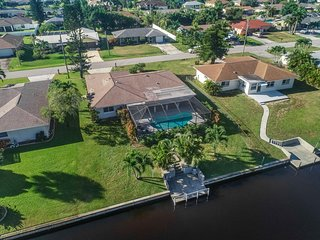 Gorgeous Gulf Access - Cape Coral - Heated Pool!