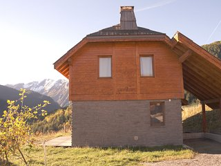 Beautiful chalet on the edge of the center of Pra Loup