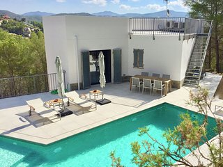 Luxurious Villa in Olivella with Private Swimming Pool