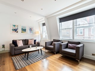 119. IN THE HEART OF SOHO - PICCADILLY CIRCUS AREA - LOVELY 2BR 2BA FLAT