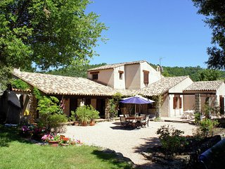 Charming Holiday Home in Tourtour, Provence with Garden