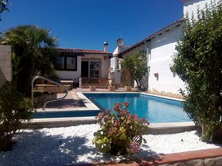 Nice house for 6 people with private pool and own mooring in Empuriabrava