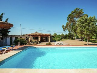 Cozy Holiday Home with Private Pool in Alcudia
