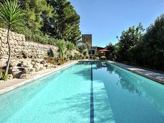 Luxurious Mansion in Montuïri with Sauna
