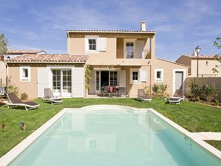 Luxury Provencal villa with AC, in charming Lubéron region