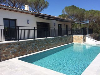 Modern villa with private pool and beautiful views over the Massif des Maures.