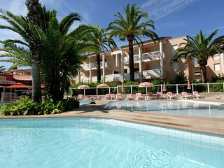 Nice apartment 300 m. away from the beach of Golfe-Juan