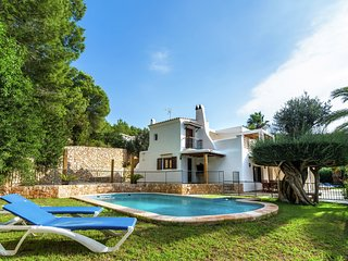Cozy Holiday Home in Santa Eulària des Riu with Private Pool