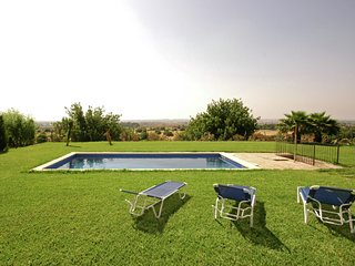 Large traditional country house with furnished veranda and garden with pool