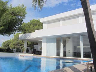 Spacious Villa in Altea with Swimming Pool