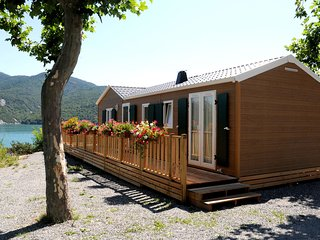 Wooden chalet in the cozy and sporty and beautifull Chorges