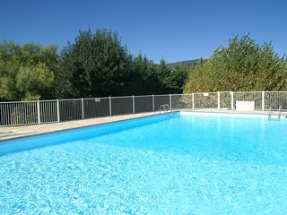 Beautiful holiday home with pool tennis court, walking distance from the beach
