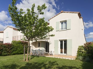 Attached house with terrace or loggia located in Languedoc