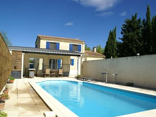 Modern Holiday Home in Maillane with Private Pool