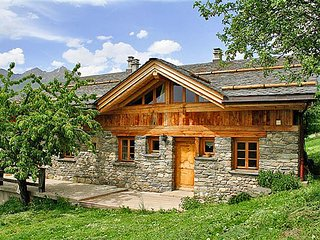 Charming cottage located in a small traditional mountain village
