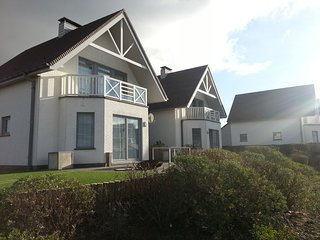 Luxury holiday home 800 m. from the beach of Équihen-Plage