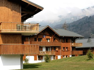 Attractive apartment with a balcony in Le Grand Massif
