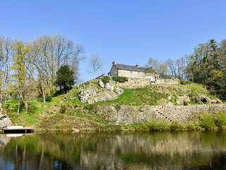 Heritage Mansion in Brittany with Terrace