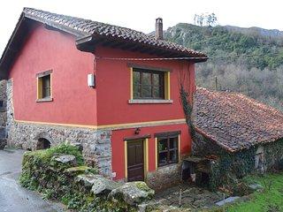 Quaint Cottage in Tormin near Covadonga Park